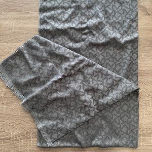 Michael Kors wool scarf, boxed, unisex